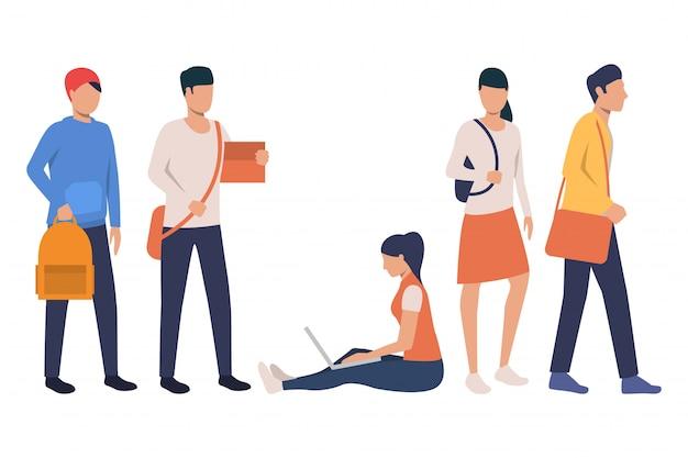 Collezione di studenti universitari moderni con borse