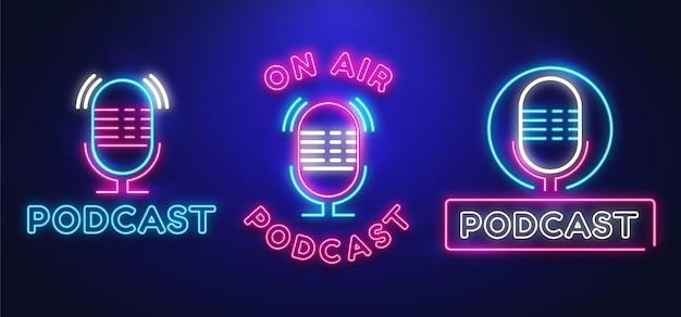 Raccolta di loghi di podcast al neon
