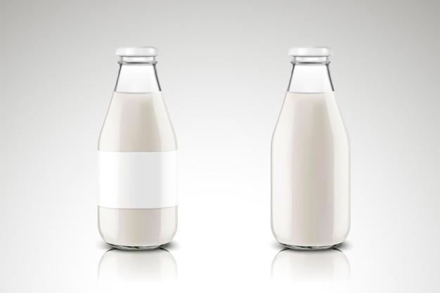 Коллекция пустой стеклянной бутылки с молоком