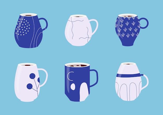 Коллекция наборов синих фарфоровых чашек