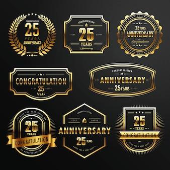 Коллекция памятных золотых этикеток на черном фоне