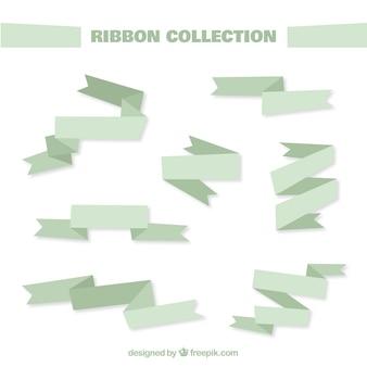 緑の色調でフラットリボンのコレクション
