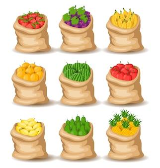 Сбор фруктов в мешках