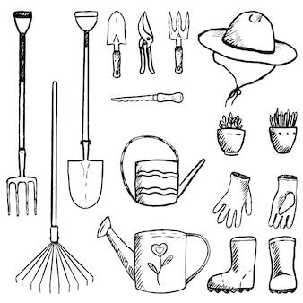 정원 도구, 용품, 장비 컬렉션입니다. 스케치 스타일로 설정된 빈티지 정원입니다. 흰색으로 격리된 장식 요소를 설명합니다. 손으로 그린 벡터 일러스트 레이 션. 디자인을 위한 클립 아트.