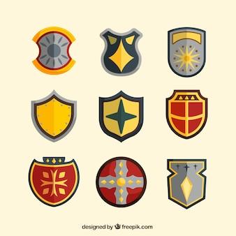 フラットデザインの紋章盾のコレクション