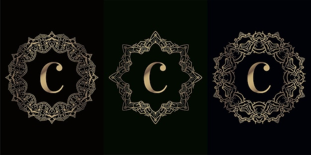 고급 만다라 장식 또는 꽃이있는 로고 이니셜 c 컬렉션