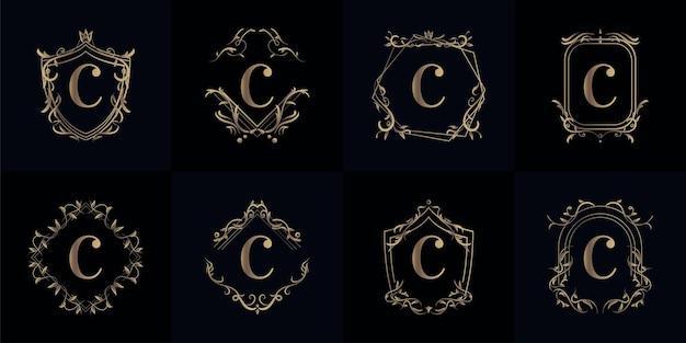 고급 장식 또는 꽃 프레임이있는 로고 이니셜 C 컬렉션 프리미엄 벡터