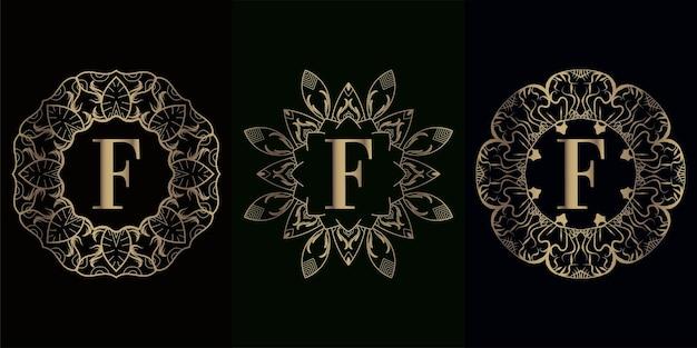 豪華な曼荼羅飾りまたは花のロゴイニシャルfのコレクション