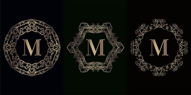고급 만다라 장식 프레임이있는 로고 이니셜 m 컬렉션