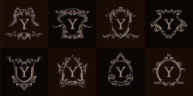 고급 장식 또는 꽃 프레임이 있는 로고 초기 y 컬렉션