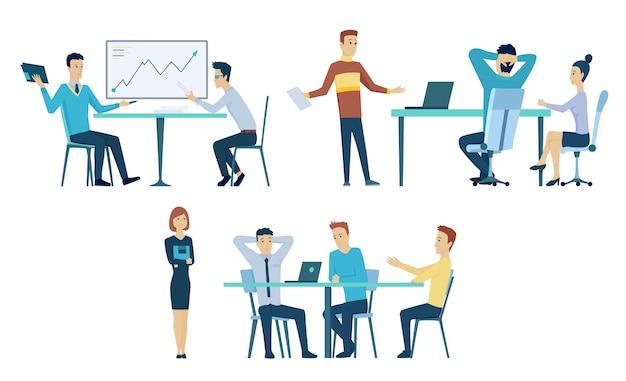 オフィスミーティングのコレクション。職場でのチームワーク。事業計画プロセス。会議室で話したり働いたりする人々。漫画のインテリア。会社の事業戦略についての議論。