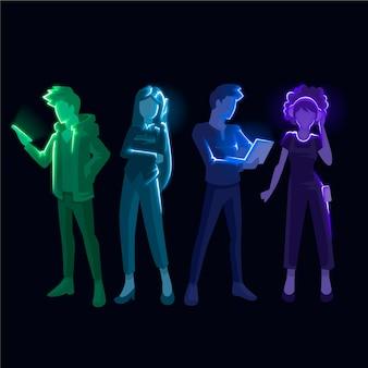 テクノロジーデバイスを持つ人々のコレクション