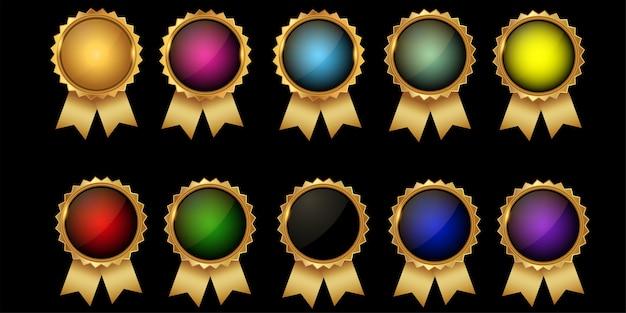 ゴールドボーダーの高品質の空のバッジのコレクション。エレガントな黒、金、緑、赤。デザイン要素ラベル、シール、バナー、バッジ、スクロール、証明書、装飾品 Premiumベクター