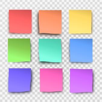 투명 한 배경에 현실적인 스티커 메모의 컬렉션입니다.