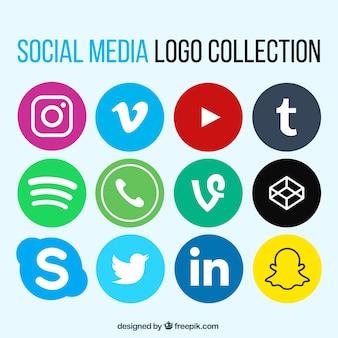 フラットデザインの社会的ネットワークのロゴのコレクション