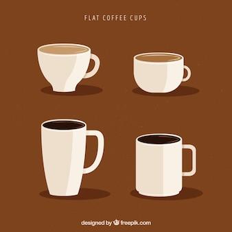 Коллекция чашек белого кофе