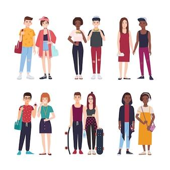 トレンディな服を着た若い10代のカップルのコレクション。スタイリッシュな10代の男の子と女の子のペアのセットです。白い背景で隔離の現代の漫画のキャラクター。カラフルなベクトル図