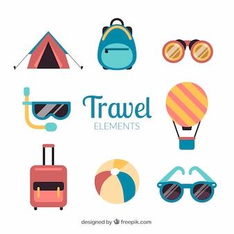 Raccolta di elementi di viaggio in design piatto