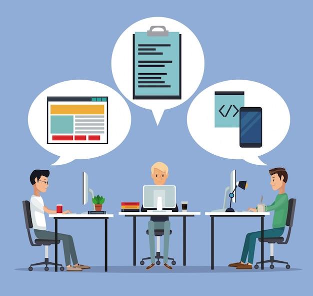 Цветной фон с группой разработчиков веб-разработчиков в письменном языке программирования