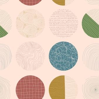 베이지색 배경에 추상적인 원과 모양이 있는 다채로운 보헤미안 원활한 패턴