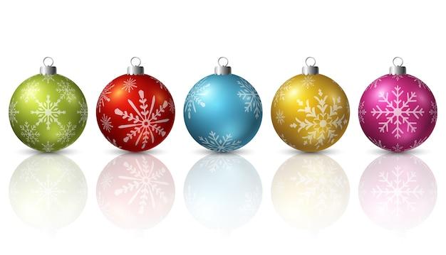 흰색 바탕에 화려한 크리스마스 공