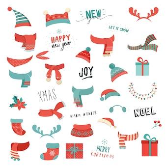 Разноцветные новогодние шапки, шарфы и другие аксессуары.