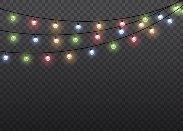 ワイヤーストリングのカラフルなグローライトランプは、透明な背景を分離しました。花輪の装飾。クリスマスライトは、現実的なデザイン要素を分離しました。