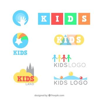 カラフルな子供のロゴセット