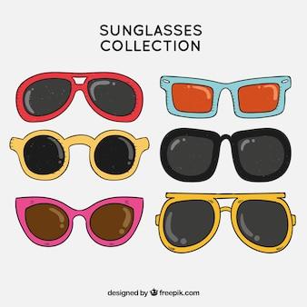 Collezione di occhiali da sole colorati e moderni