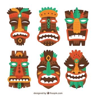 Красочная упаковка полинезийских масок