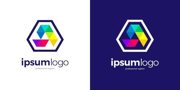 カラフルな多角形の三角形のロゴ Premiumベクター