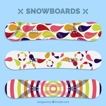 カラフルなスノーボードコレクション
