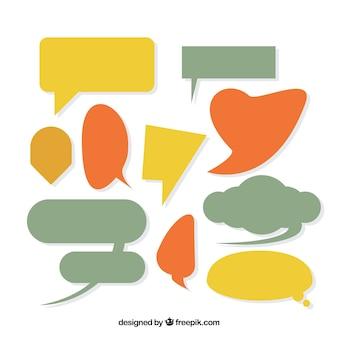 Collezione colorata di bolle di discorso