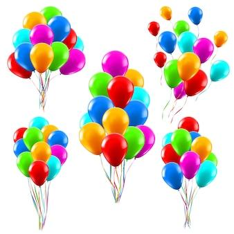 カラフルなリアルな風船。光沢のある緑、赤、青のヘリウム風船の束、誕生日パーティーのお祝いの装飾イラストセット。誕生日のお祝いと記念日コレクション