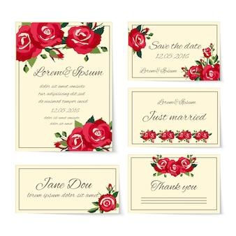 초대 카드를 포함하는 웨딩 카드 템플릿의 완전한 세트는 방금 결혼 한 이름 장소 설정에 감사하고 사랑과 로맨스를 상징하는 우아한 빨간 장미로 장식 된 날짜를 저장합니다.