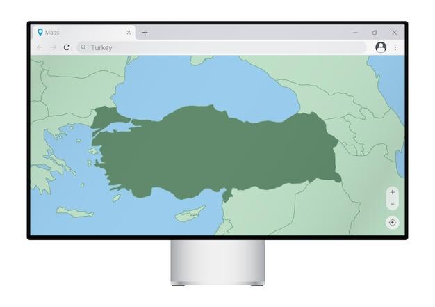 Монитор компьютера с картой турции в браузере, найдите страну турция в картографической веб-программе.