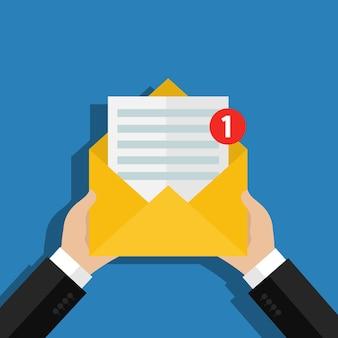 受信メールメッセージの概念。異議申し立て通知、郵便配達員の手、郵便配達サービス付きの手紙。フラットなデザイン、ベクトルイラスト。