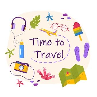 Понятие времени для путешествия баннер, вещи для приключенческого туризма. путешествие декоративное оформление с тропическими листьями, ракушками, аксессуарами, фотоаппаратом, солнцезащитными очками. плоский мультфильм современный вектор.