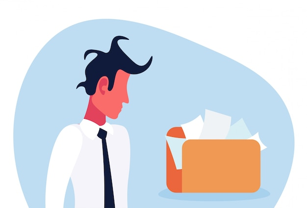 Смущенный бизнесмен смотря папку документа