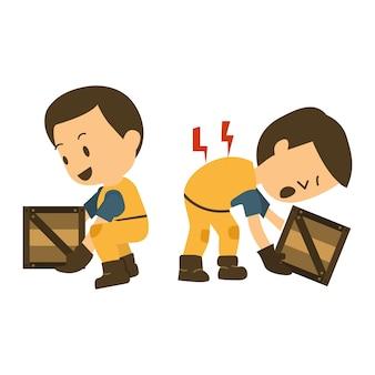 Строительный рабочий травмирует его спину, поднимая коробку.