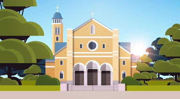 가톨릭 교회 건축 기독교 종교 문화 개념의 현대적인 외관 수평