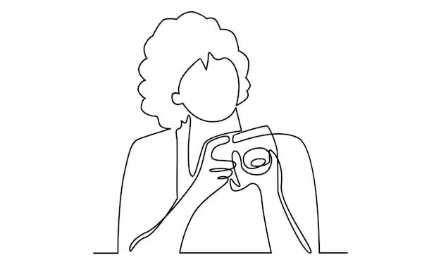 デジタルカメラのイラストを保持している女性の連続線
