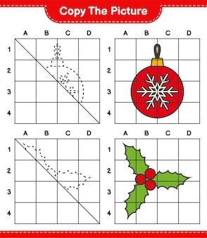 Скопируйте изображение, скопируйте изображение рождественских шаров и холли берри, используя линии сетки. развивающая детская игра, лист для печати