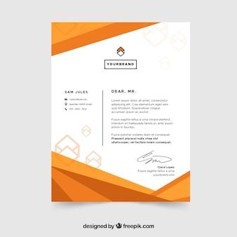 抽象的なオレンジの形をした企業のパンフレット