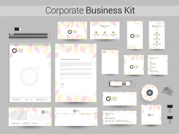 カラフルな葉と企業のビジネスキット。