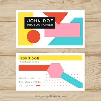 Scheda aziendale con forme geometriche colorate