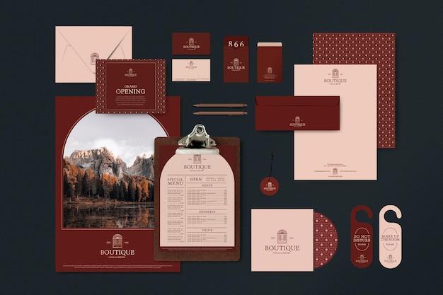 落ち着いた赤いトーンのレストランのコーポレートアイデンティティ編集可能なテンプレートセット