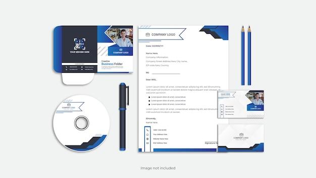 Корпоративный профессиональный набор канцелярских принадлежностей минималистичный дизайн.