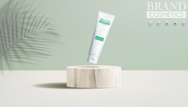 緑の背景と木の表彰台の化粧品