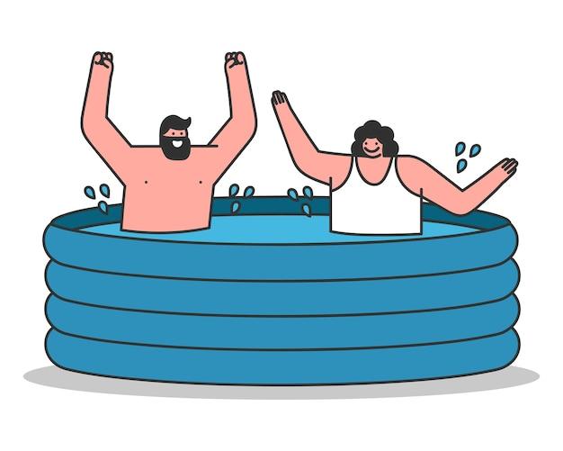 팽창 식 수영장에서 재미있는 한 쌍
